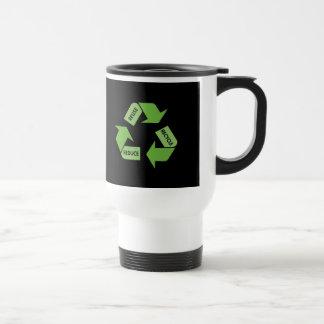 El verde recicla la reutilización reduce taza de viaje