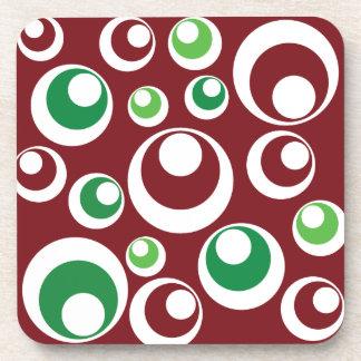 El verde rojo del navidad festivo circunda el mode posavasos de bebidas