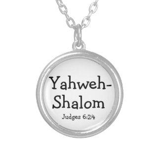 El verso cristiano de la biblia juzga el collar