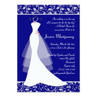 El vestido de boda en ducha nupcial del azul real invitación 12,7 x 17,8 cm