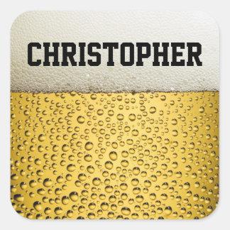 El vidrio de cerveza personaliza pegatina cuadrada