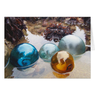 El vidrio flota en el agua tarjeta de felicitación