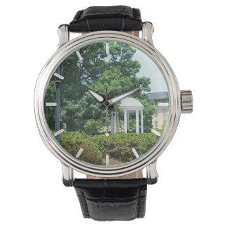 El viejo bien, Chapel Hill Relojes De Pulsera