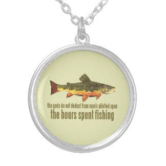 El viejo decir de la pesca colgante redondo