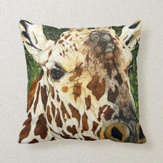 El viejo soltero - almohada de la jirafa