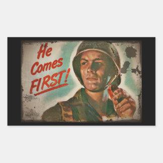 Él viene el primer racionar de la comida de WWII Pegatina Rectangular