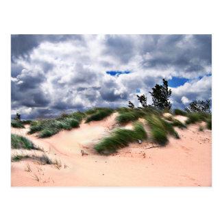 El viento barrió las dunas de arena postal
