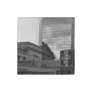 El vínculo en Kansas City Imán De Piedra