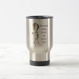 El vino mejora con decir chistoso del vino de la taza de viaje de acero inoxidable