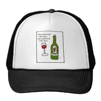 El vino mejora con edad de la edad… mejora con el  gorra