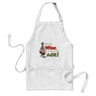El vino mejora con edad delantal