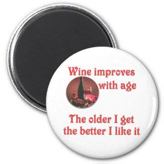 El vino mejora con la edad #2 imán