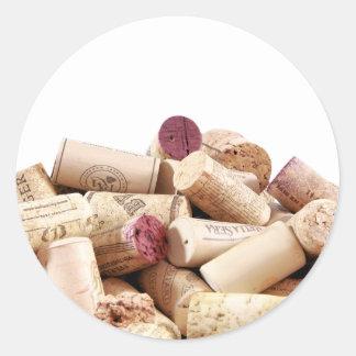 El vino tapa a los pegatinas con corcho