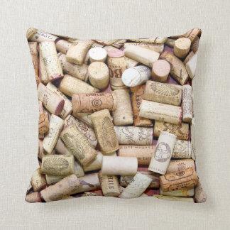 El vino tapa la almohada con corcho