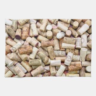 El vino tapa la toalla de cocina con corcho