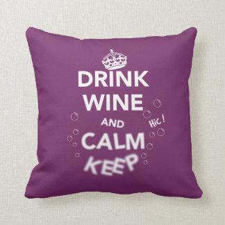 El vino y la calma de la bebida guardan (el cojín