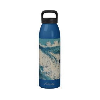El vintage agita el océano japonés del grabar en m botella de agua reutilizable