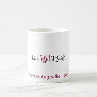 ¡El vintage alía la variedad que difunde VAV! Taza Clásica