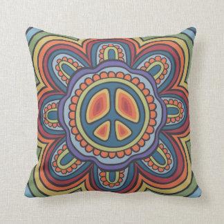 El vintage de TJP colorea al Hippie de la flor de Cojín Decorativo