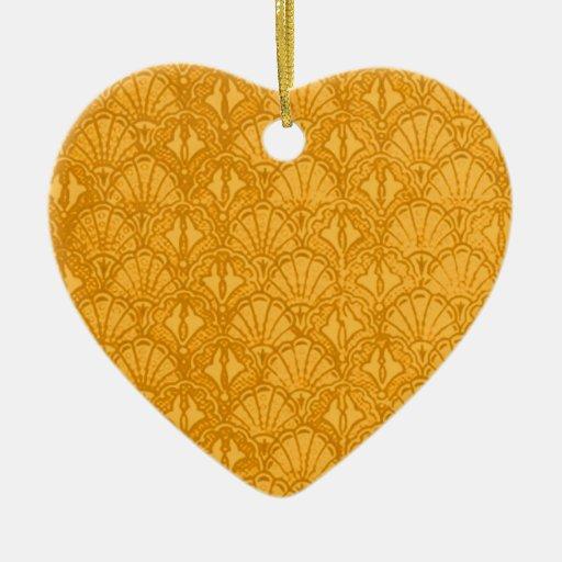 El vintage descasca el ornamento del oro amarillo adorno navideño de cerámica en forma de corazón