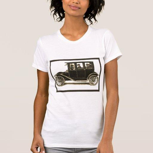 El vintage eléctrico del ~ del coche de la ciudad camisetas