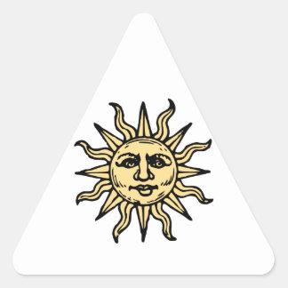 El vintage estilizado Sun hace frente Pegatina Triangular
