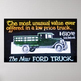 El vintage Ford acarrea la diapositiva del anuncio Póster
