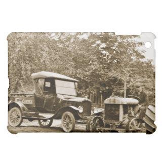 El vintage Ford acarrea y tractor