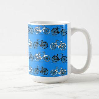 El vintage fresco de las azules turquesas del trul taza básica blanca