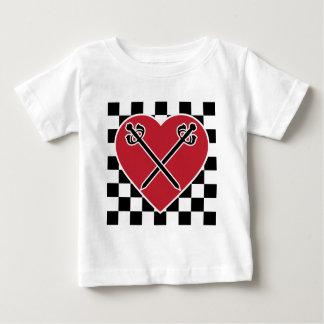 El vintage inspiró corazones y las camisetas y los playeras