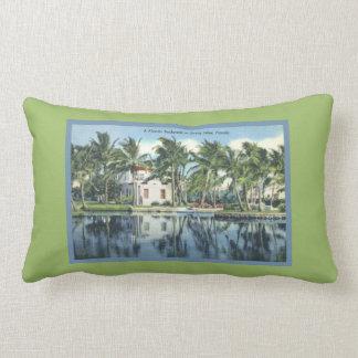 El vintage inspiró las palmeras soleadas de la almohada