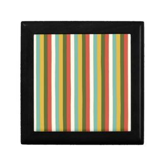 El vintage multicolor raya el modelo caja de recuerdo