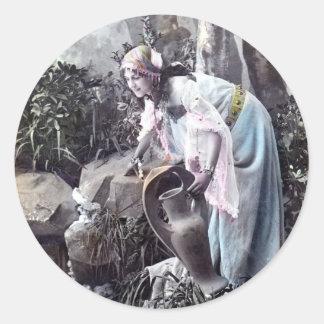 El vintage romántico virginal hermoso 1906 del pegatina redonda