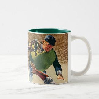 El vintage se divierte al jugador de béisbol, el taza de dos tonos