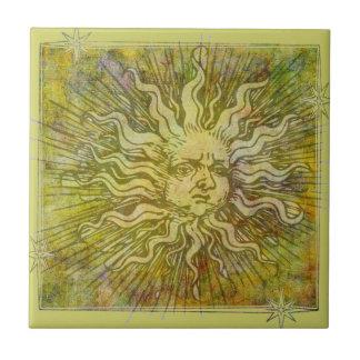 El vintage Sun completo hace frente Azulejo Cuadrado Pequeño