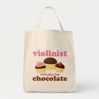 El violinista jugará para el chocolate bolsa