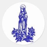 El Virgen María bendecido (con los rosas azules) Pegatinas Redondas