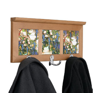 El vitral florece el estante de la capa