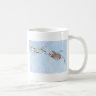 El volar adentro a decir tazas de café