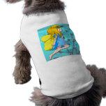 El volar arriba ropa de mascota