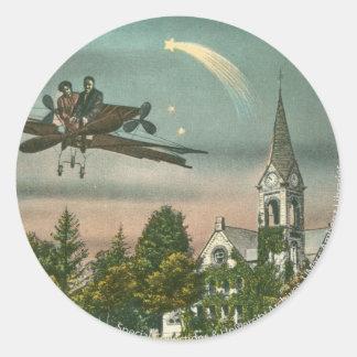 El volar arriba sobre capilla vieja pegatina redonda