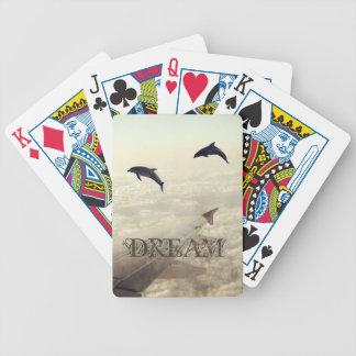 El volar con los delfínes barajas de cartas