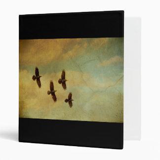 El volar de cuatro cuervos