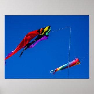 El volar en el viento posters