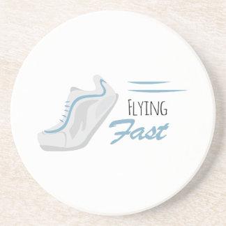 El volar rápidamente posavasos para bebidas