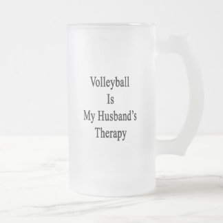El voleibol es la terapia de mi marido taza cristal mate