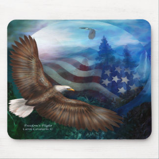 El vuelo de la libertad - arte Mousepad de Eagle