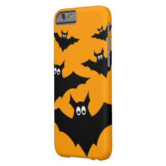 El vuelo negro lindo fresco golpea Halloween en el Funda Barely There iPhone 6