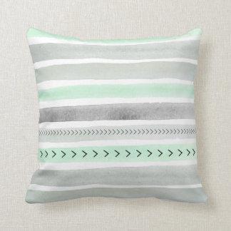 El Watercolour gris de la verde menta raya el Cojín Decorativo