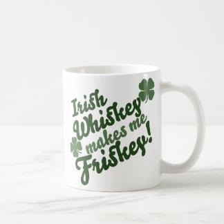 El whisky irlandés me hace a Friskey Tazas De Café